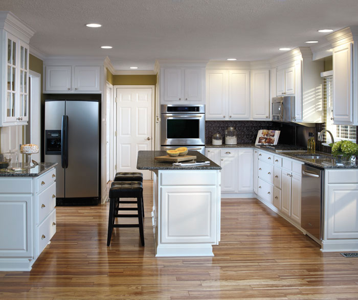 thermofoil_kitchen_cabinets