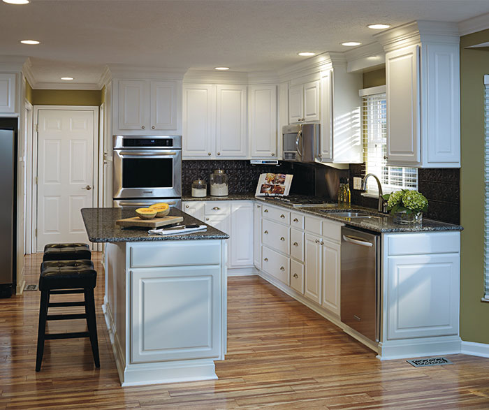 thermofoil_kitchen_cabinets_2